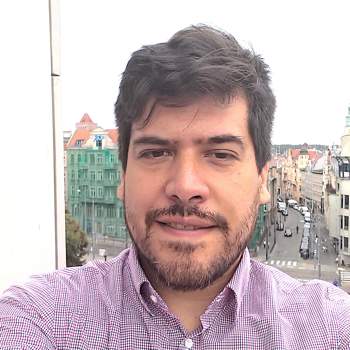adolfo_alvarez